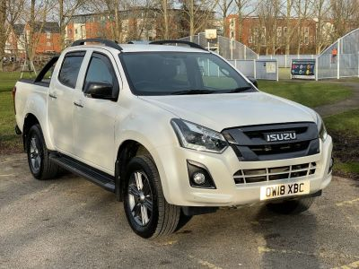 Isuzu D-max 1.9 Blade Double Cab 4x4 Auto Pick Up Diesel Pearl White at Adams Brothers Isuzu Aylesbury