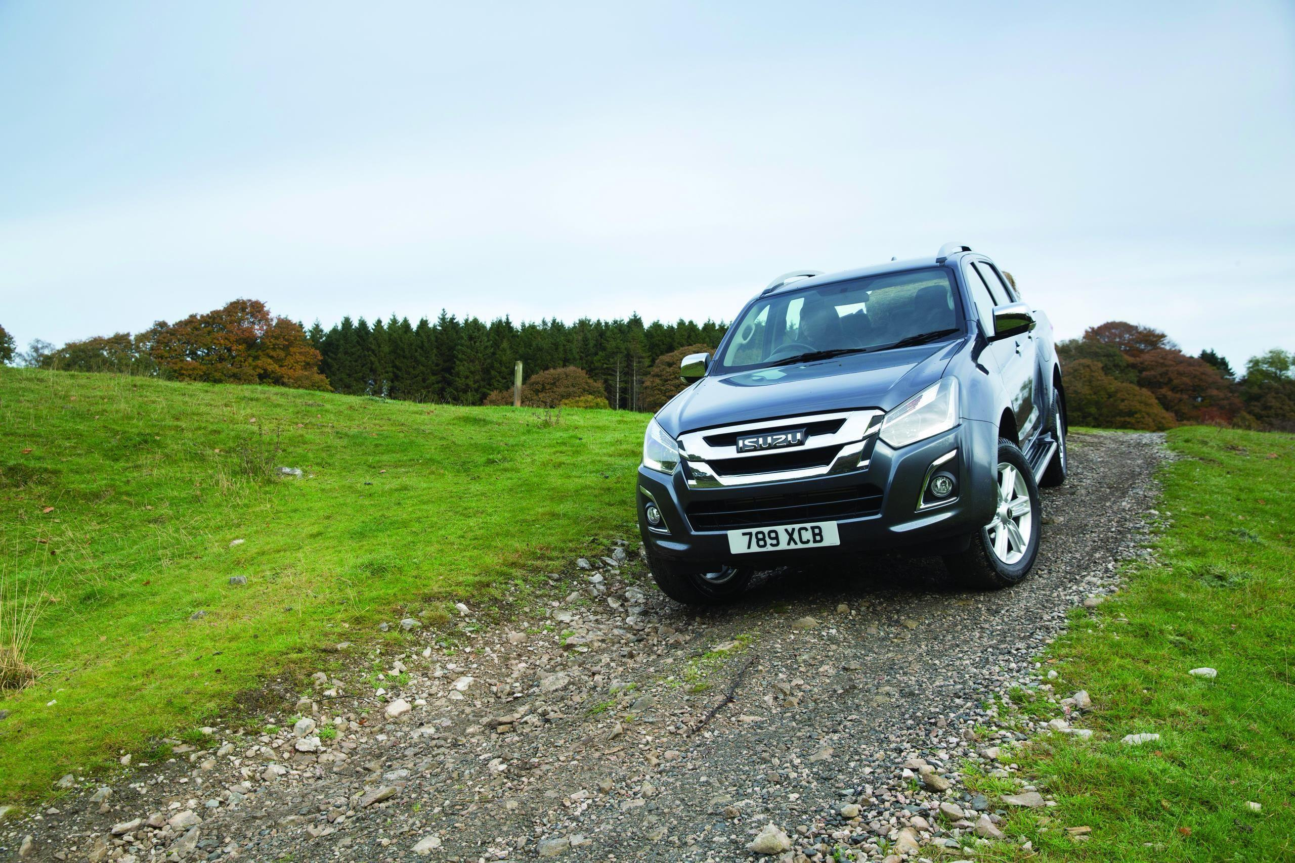 ISUZU D-MAX TRIUMPHS IN THE 2018 WHAT VAN? AWARDS